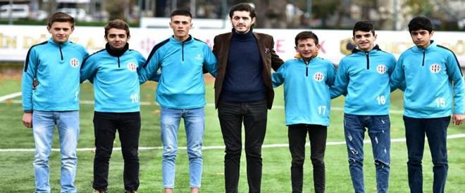 Başkan Beykoz'un madde bağımlısı gençlerine el attı