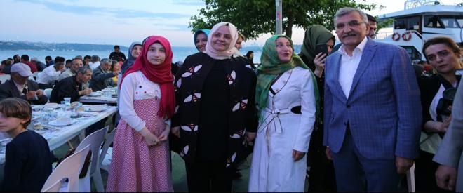 Aile Bakanı Selçuk iftarını Beykozlularla birlikte açtı