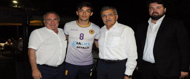 Murat Aydın siyasette özlenen adımı Beykoz'da attı!