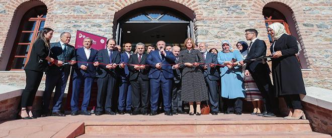 Bakan Varank Bezmialem Beykoz Enstitüsü'nü açtı
