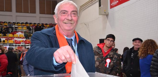 CHP Beykoz kongresinde Aydın Düzgün güven tazeledi