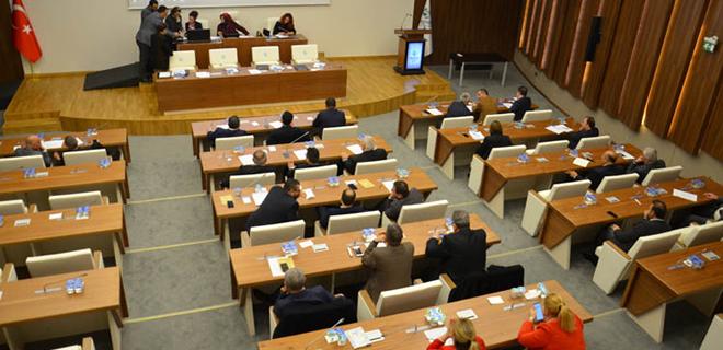 İBB'de başörtülü kadınlara taciz Beykoz meclisinde tartışıldı