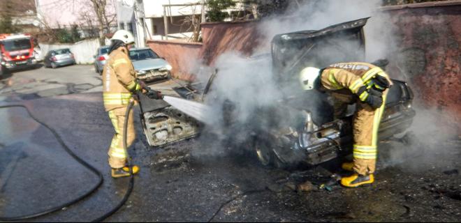 Çubuklu'da korkutan araç yangını!