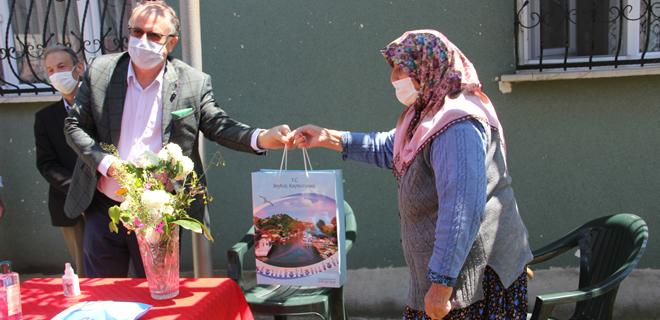 Beykoz'un 112 yıllık asırlık çınarına anneler günü ziyareti